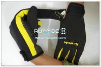 thin-full-finger-neoprene-sports-gloves-rwd022-3