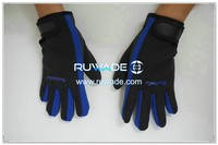 thin-full-finger-neoprene-sports-gloves-rwd022-4