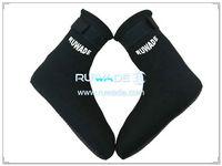 neoprene-mid-socks-rwd029-4