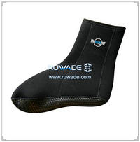 Neoprene mid socks -030