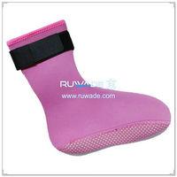 neoprene-mid-socks-rwd033-1