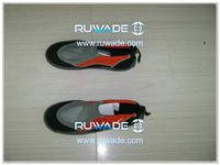 Neoprene beach shoes -010