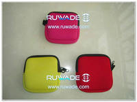 Neoprene coin pouch -004