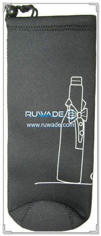 neoprene-water-beverage-bottle-cooler-holder-insulator-rwd066-2