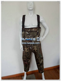 Camo hunting neoprene chest fishing wader -022 with neoprene bags
