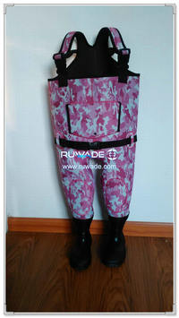 Pink camo neoprene chest fishing wader -010