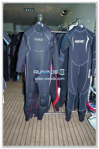 Full wetsuit -108