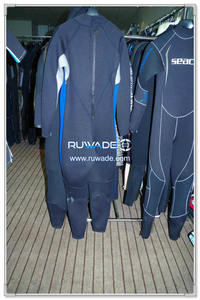 Surfing suit -114