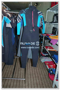 Surfing suit -119