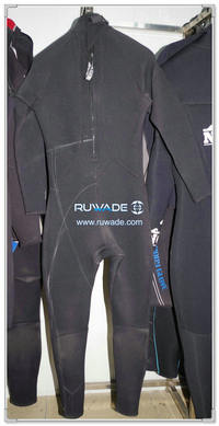 Full wetsuits back zipper -139