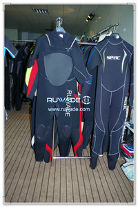 Full wetsuit with chest zip -004