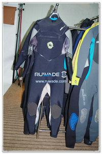 Chest zip neoprene surfing suit -012-1