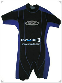 Shorty surfing wetsuit with back zipper -024