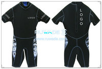 Shorty surfing wetsuit with back zipper -052