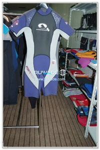 Back zipper shorty surfing wetsuit -065