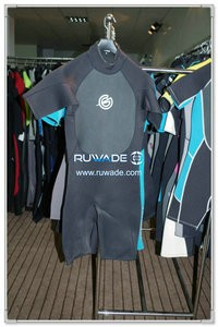 Shorty surfing wetsuit with back zipper -080