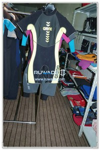 Women shorty wetsuit with back zipper -089