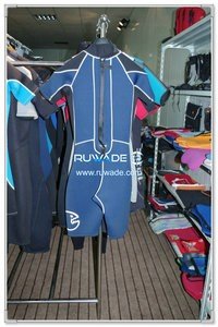 Men back zipper shorty surfing wetsuit -094