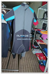 Shorty surfing wetsuit with back zipper -096