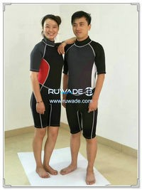 Shorty surfing wetsuit with back zipper -121-2