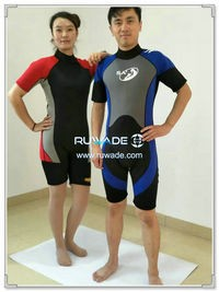 Shorty surfing wetsuit with back zipper -122-1